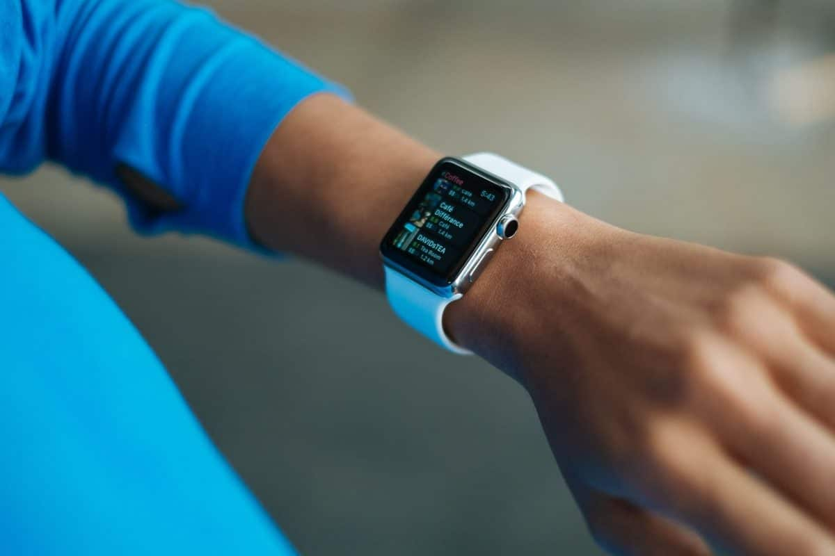 Apple Watch en la mano puesta