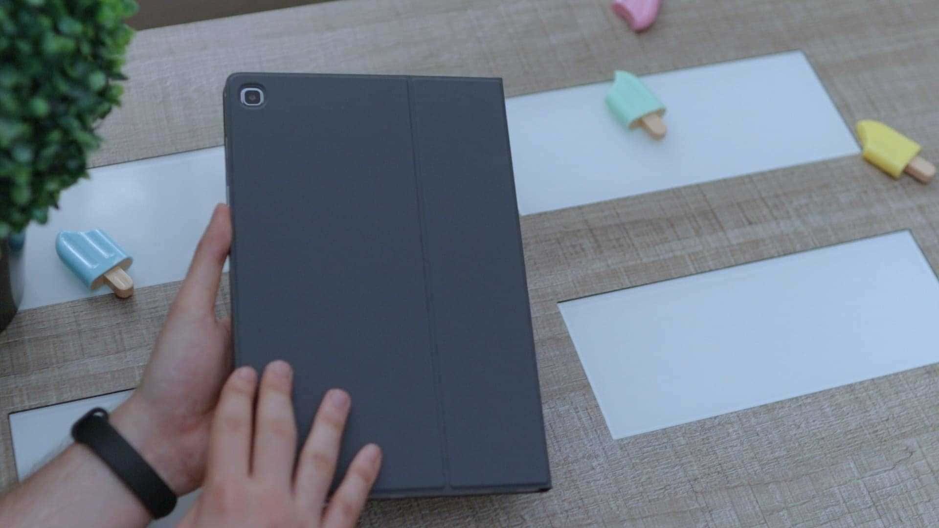 Diseño-funda-teclado-Galaxy-Tab-S5e-review