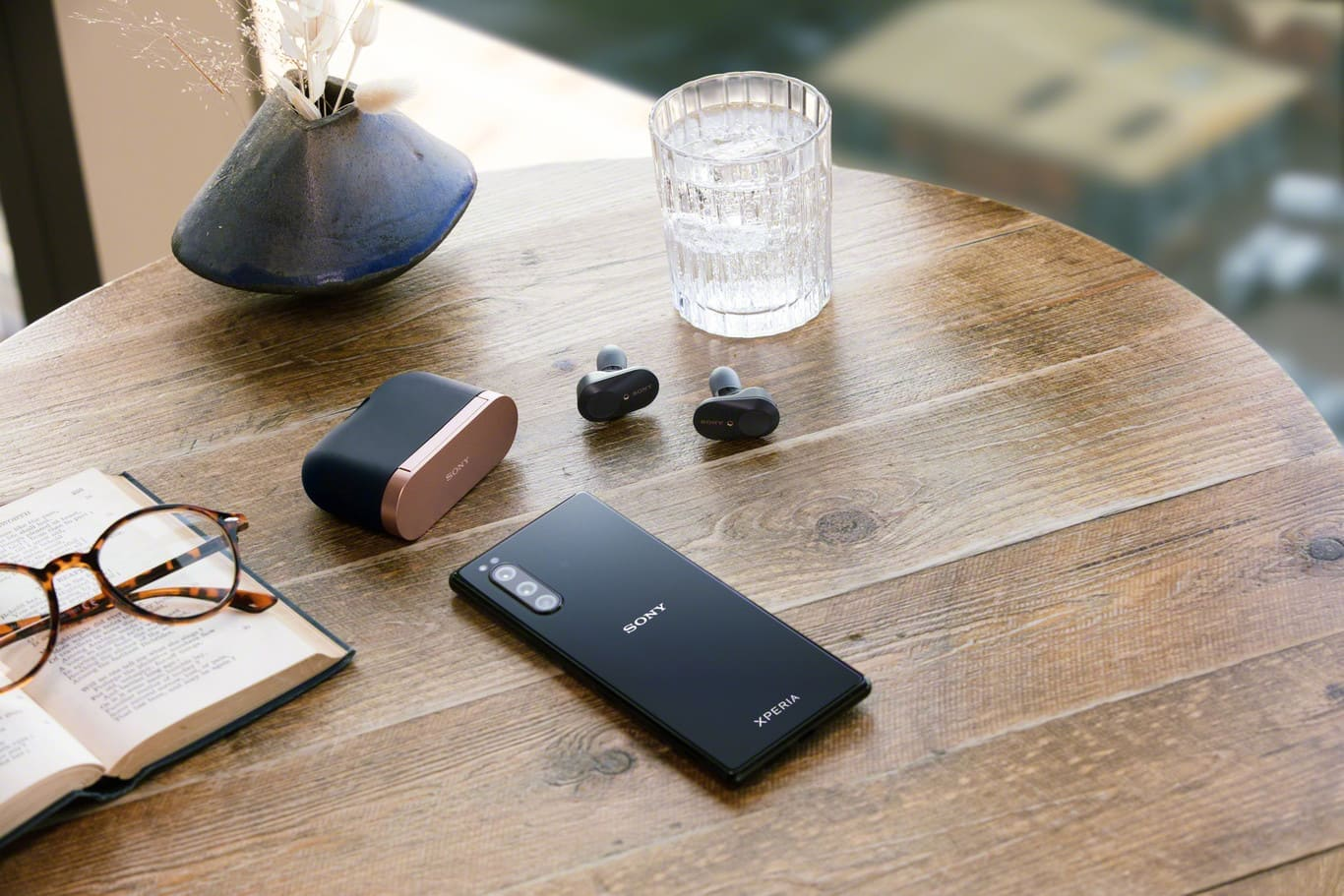 Sony-Xperia-5-y-Sony-WF-1000XM3