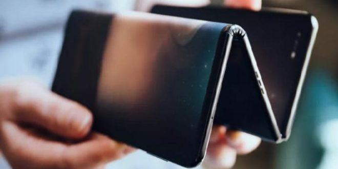 Se filtra un cartel promocional del Galaxy Z con dos bisagras, ¿es real?