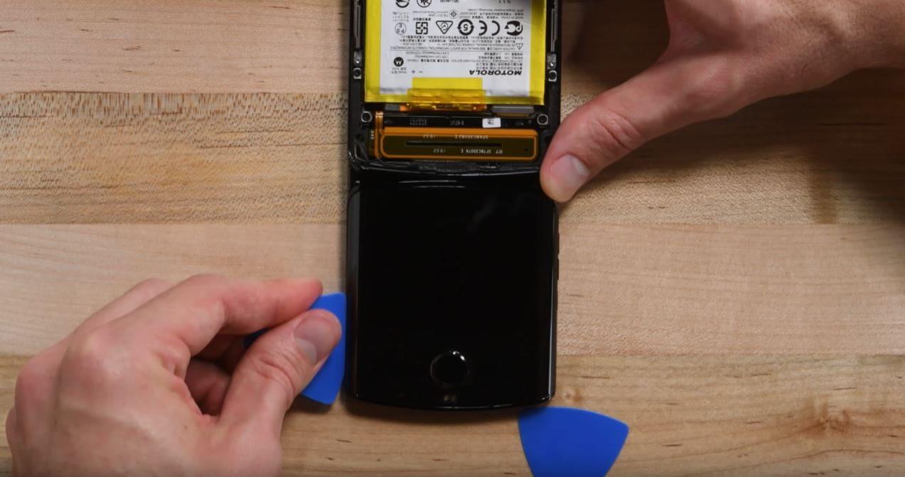 desmontaje-Motorola-Razr-pantalla-flexible