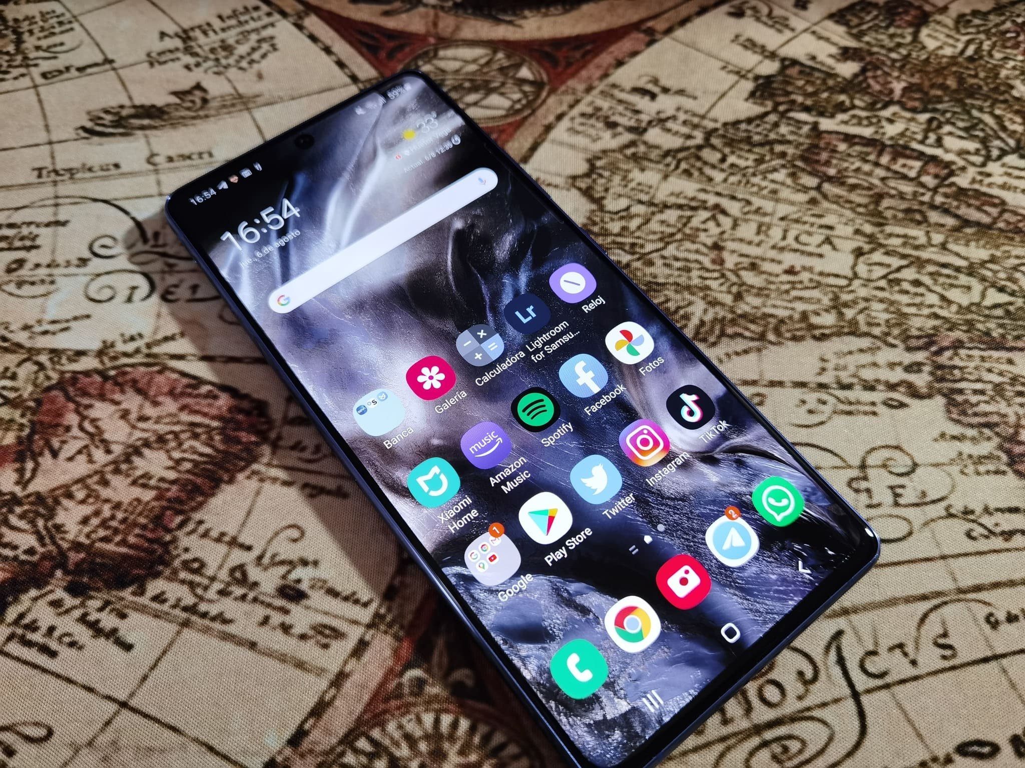 samsung-galaxy-s10-lite-frontal-perspectiva