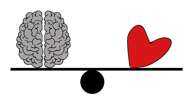 cerebro-corazon-balanza