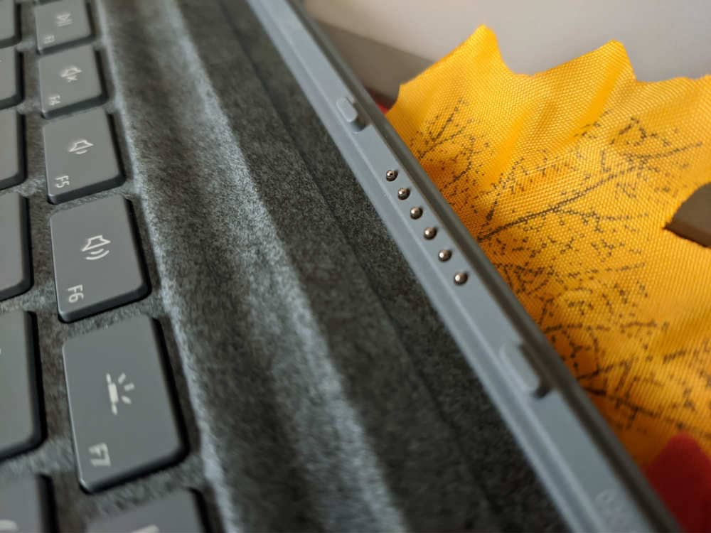 microsoft-surface-pro-7-ordenador-convertible-teclado-dock-pines-imanes