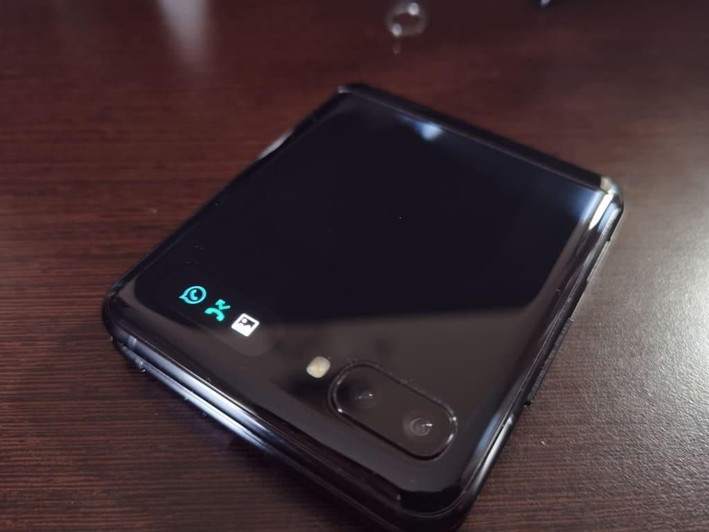 samsung-galaxy-z-flip-pantalla-exterior-notificaciones