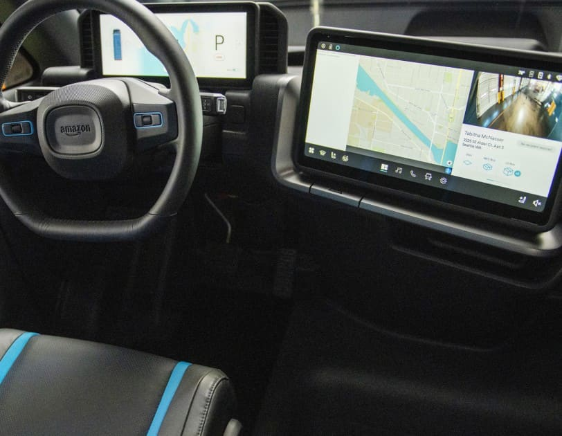 interior-tecnologia-Rivian-furgontea-reparto-amazon-electrica