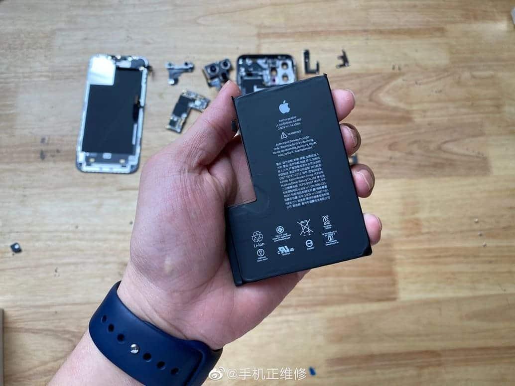 desmontaje iPhone 12 Pro Max bateria