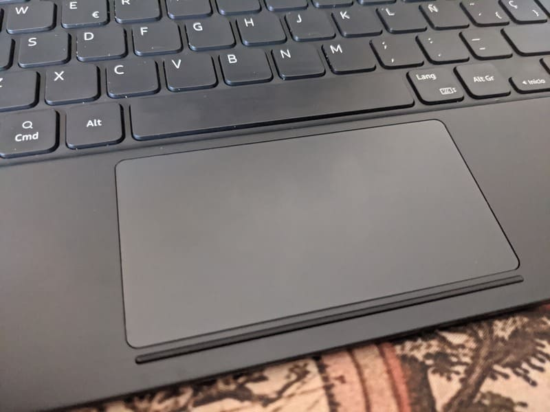 samsung-book-cover-keyboard-trackpad-samsung-galaxy-tab-s7+-