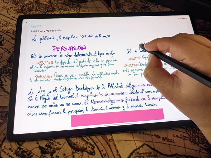 samsung-galaxy-tab-s7+-s-pen-samsung-notes-escribiendo-perspectiva