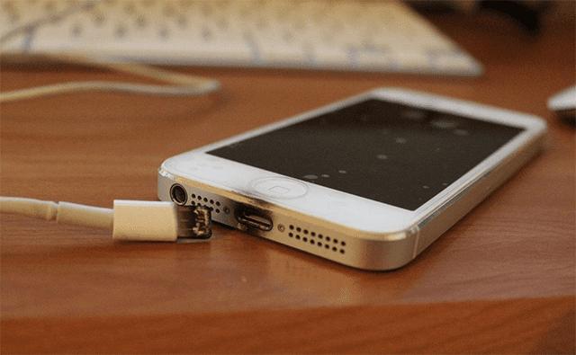 iphone-quemado-puerto-carga
